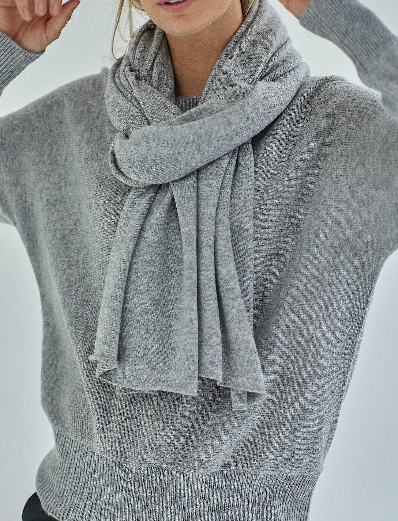 Davida Cashmere - Big Classic Scarf - scarves - light grey - 0