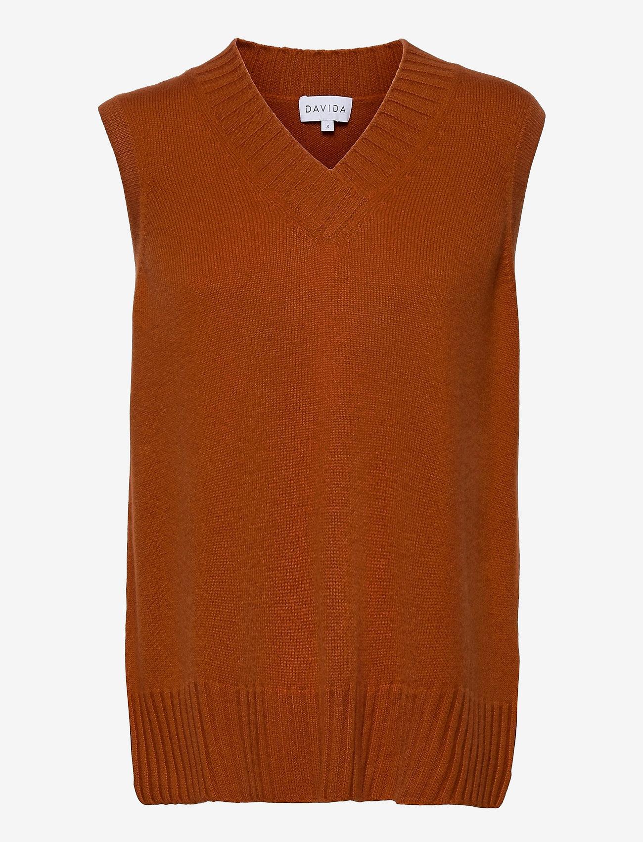 Davida Cashmere - V-neck Vest - knitted vests - dark rust - 0