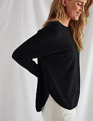 Davida Cashmere - Curved Sweater - sweaters - black - 0