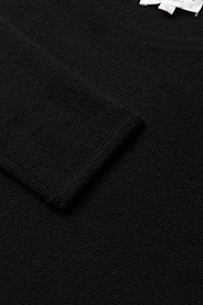Davida Cashmere - Curved Sweater - sweaters - black - 3