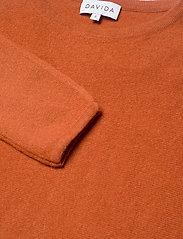 Davida Cashmere - Curved Sweater - sweaters - dark rust - 3