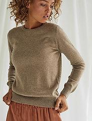 Davida Cashmere - Basic sweater - sweaters - mink - 0