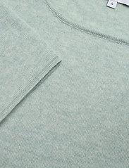 Davida Cashmere - Quarter Wide Sleeve Sweater - jumpers - light green - 2