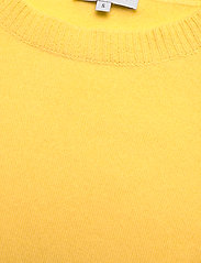 Davida Cashmere - Puff Shoulder Top - knitted tops - yellow - 2