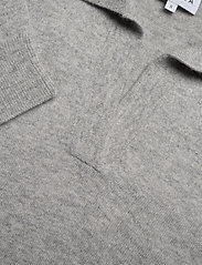 Davida Cashmere - Open Collar Sweater - sweaters - light grey - 2