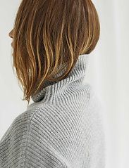 Davida Cashmere - Oversized Rib Sweater - turtlenecks - light grey - 0