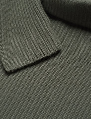 Davida Cashmere - Raglan Rib Loose Fit Sweater - cashmere - army green - 3