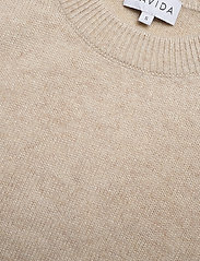 Davida Cashmere - O-neck Vest - knitted vests - light beige - 3