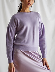 Davida Cashmere - Volume Sleeve Sweater - sweaters - lavender - 0