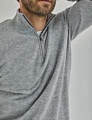 Davida Cashmere - Man Half Zip - half zip - light grey - 0