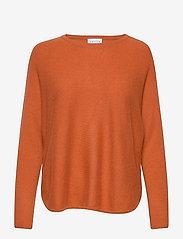 Curved Sweater - DARK RUST