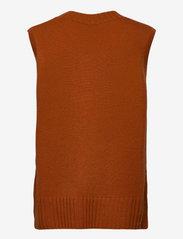 Davida Cashmere - V-neck Vest - knitted vests - dark rust - 1