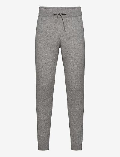 Man Pants Pockets - kleidung - light grey
