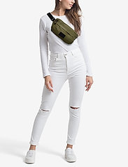 DAY et - Day Smash Bum B - belt bags - ivy green - 1