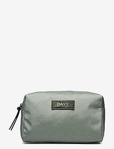 Day Gweneth RE-S Beauty - cosmetic bags - feldspar