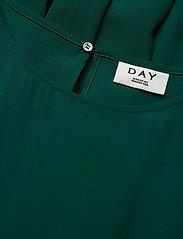 Day Ayshe