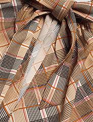 Day Birger et Mikkelsen - Day Tomorrow - long sleeved blouses - ivory shade - 3