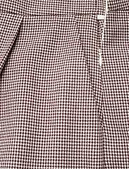 Day Birger et Mikkelsen - Day Go Out - chino shorts - bark - 2