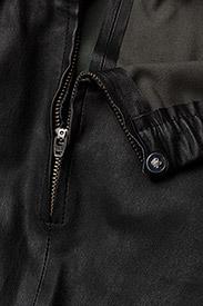Day Birger et Mikkelsen - DAY Plongy - spodnie skórzane - black - 2