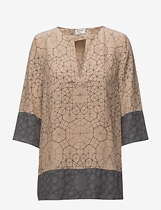 Day Electric - long sleeved blouses - rugby tan