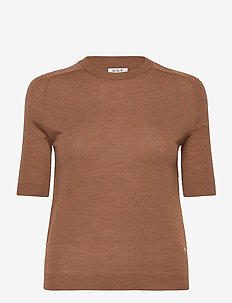Day Whitney - knitted tops & t-shirts - cocco