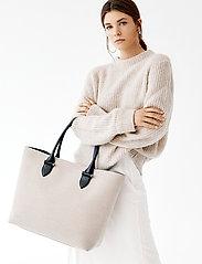 Decadent - Terri canvas tote - fashion shoppers - black - 0