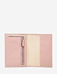 Decadent - Nelly passport cover - akcesoria turystyczne - soft pink - 3