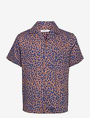DEDICATED - Shirt Short Sleeve Marstrand Leopard Light Brown - geruite overhemden - chipmunk - 0