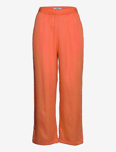 Pants Moss - pantalons casual - coral fusion