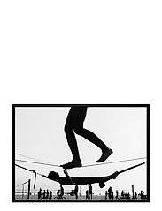 Poster Monochrome Balancing Act - BLACK