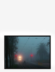 Democratic Gallery - Poster Train Tracks - wystrój domu - blue - 0