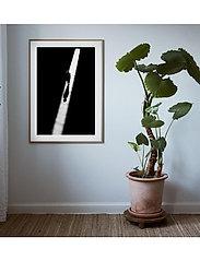 Democratic Gallery - Poster Man in Light - wystrój domu - black - 1