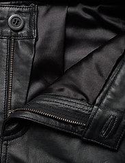 Denim Hunter - 24 THE LEATHER PANT - lederhosen - black - 4