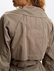 Denim Hunter - DHLiv Trenchcoat - trenchcoats - walnut - 5