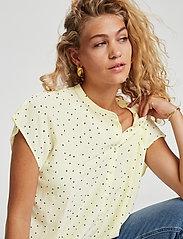 Denim Hunter - DHMaya SS Shirt - kortärmade blusar - afterglow dot print - 4