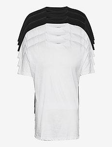 DP Longy Tee 5 Pack - basic t-shirts - 3 black/ 2 white