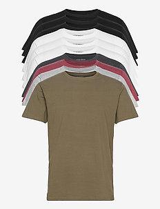 DP Longy Tee 10 Pack - basic t-shirts - 3 black/ 3 white/ 1 lgm/ 1 dgm/ 1 olive night/ 1 b