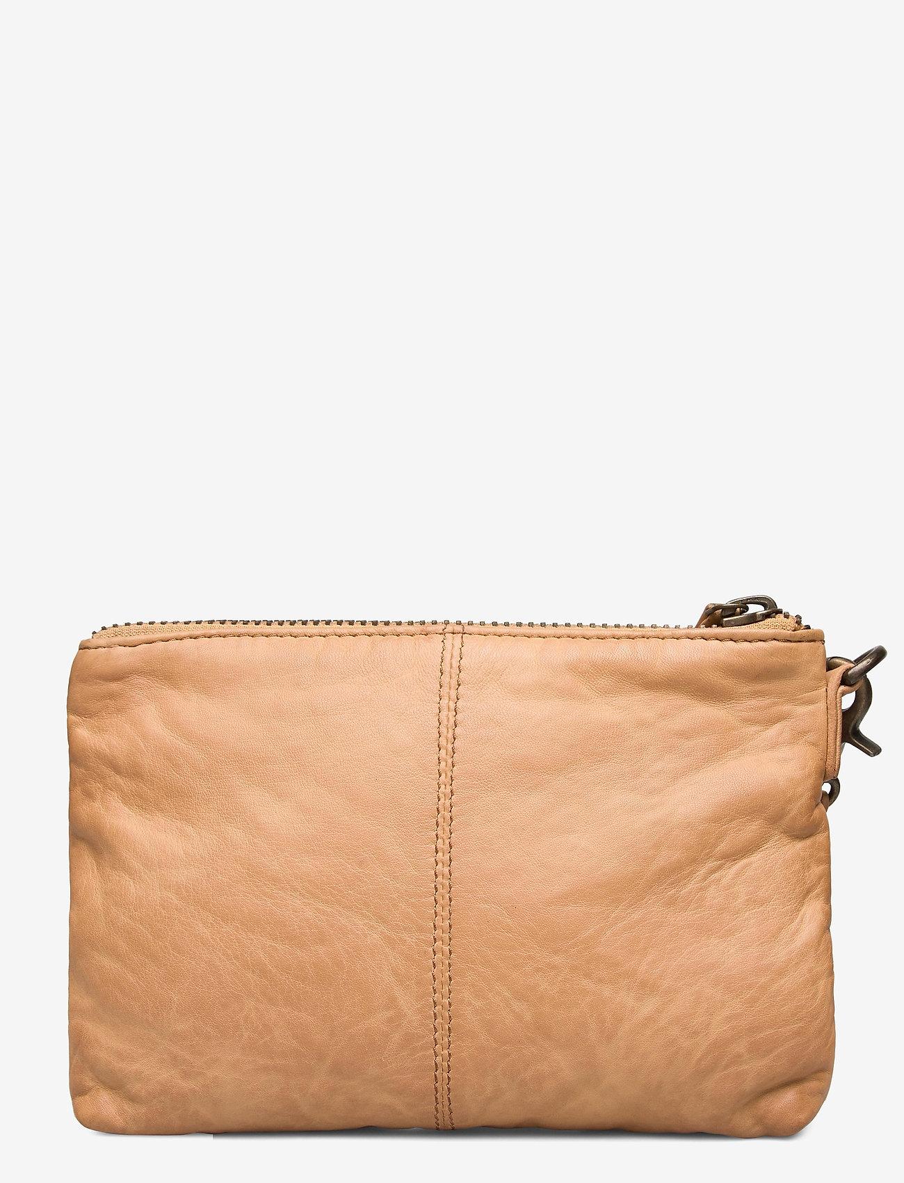 DEPECHE - Cosmetic bag - kirjekuorilaukut - 156 camel - 1