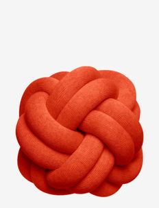 Knot cushion - puder - tomato red