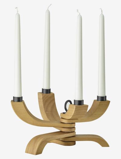 Nordic Light 4-arms Candleholder - kynttilänjalat & kynttilälyhdyt - natural