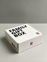 Design Letters - Family Gift Box - tasses à café - nude / green - 0