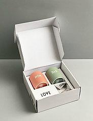 Design Letters - Family Gift Box - tasses à café - nude / green - 2