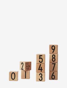 Wooden cubes 0-9 - wystrój domu - wood