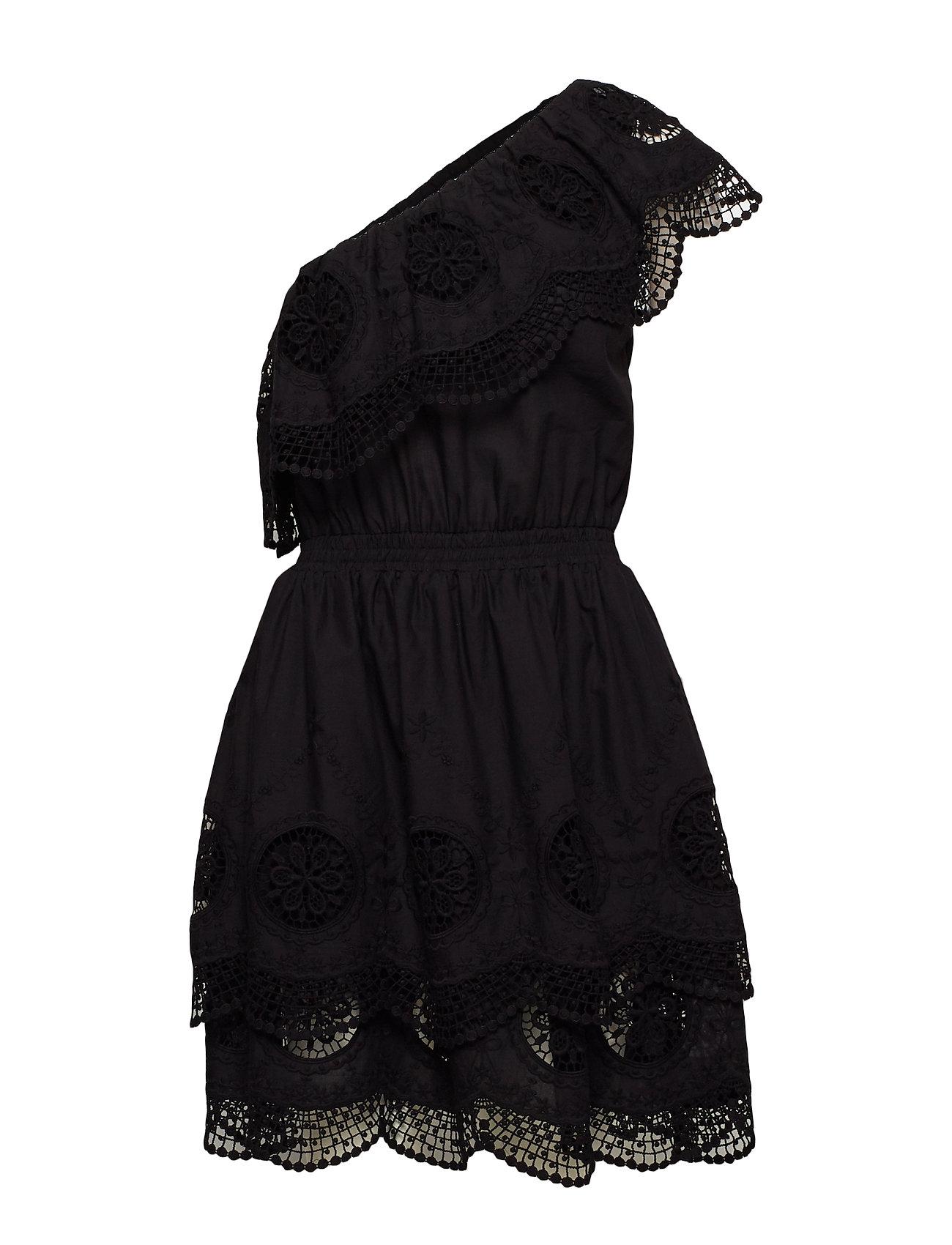 24069e7a955 Hjem Dame Korte kjoler Dane Off-Shoulder Dress. Dane Off-Shoulder Dress.  Dane Off-Shoulder Dress. Designers Remix