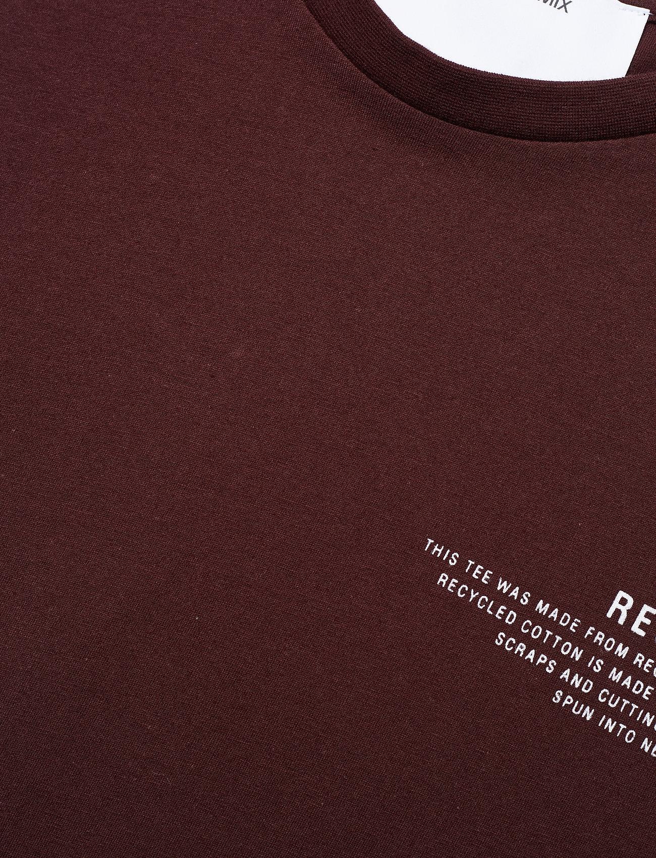Stanley Text Tee (Rouge Noir) (305.25 kr) - DESIGNERS, REMIX