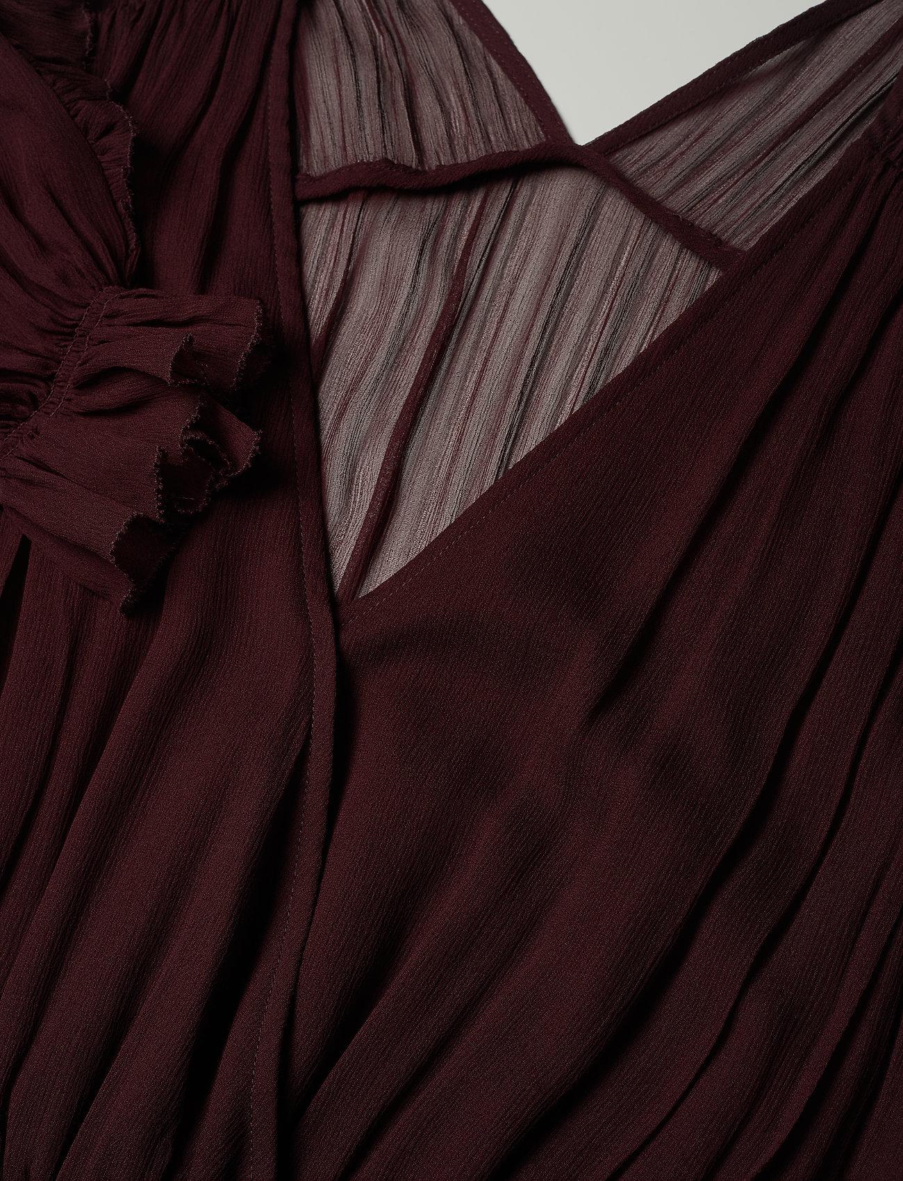 Mindy Long Ruffle Dress (Rouge Noir) (148 €) - DESIGNERS REMIX dqLrDCgD