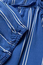 DESIGNERS, REMIX - Viola Off-shoulder - midi kjoler - stripes - 2
