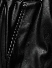 DESIGNERS, REMIX - Leather free leather shorts with elasticated waist - skinn shorts - black - 5