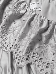 DESIGNERS, REMIX - Asymmetric broderie anglaise dress - blondekjoler - light grey - 3
