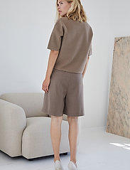 DESIGNERS, REMIX - Lucca Knit Blouse - strikkede toppe - taupe - 4